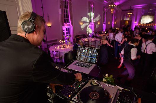 esküvői dj bérlés